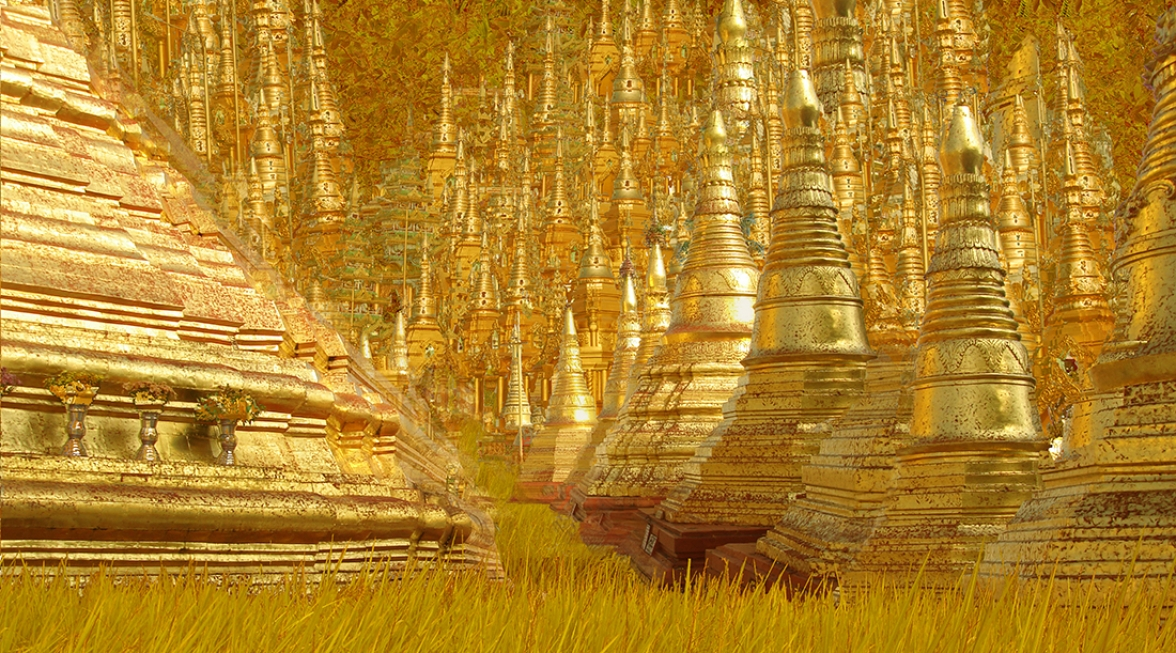 The forest of 1000 pagodas.    137 cm x 102 cm.        From 300 € .
